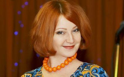 Ведущая Наталья Чеботарева